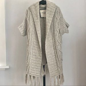 Abercrombie & Fitch fringed cable sweater vest M/L